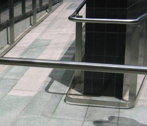 Correct kerb rail installation