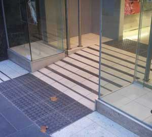 Compliant step ramp