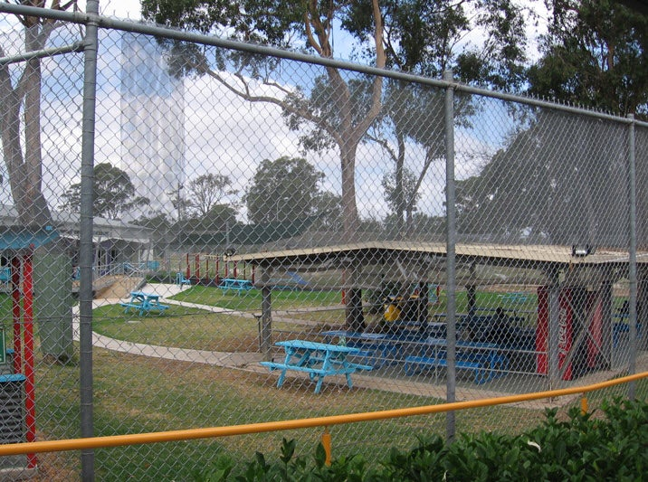 Looking into visitors' area for Hughes and Fowler compounds, Villawood IDC