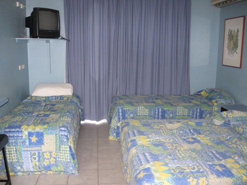 Family bedroom, Asti Motel