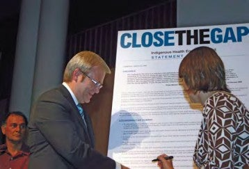 Prime Minister Rudd and Health Minister Nicola Roxon signing the Close the Gap Statement of Intent, March 2008