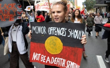 Aboriginal protest - sign 'Minor offences should not be a death sentence'